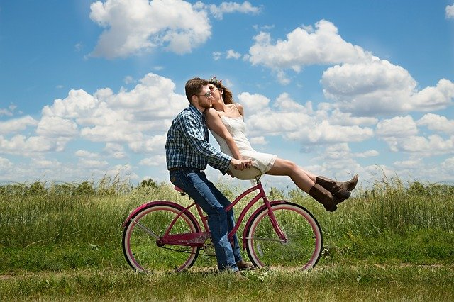 Least To Most Romantic Zodiac Signs As Per Astrology