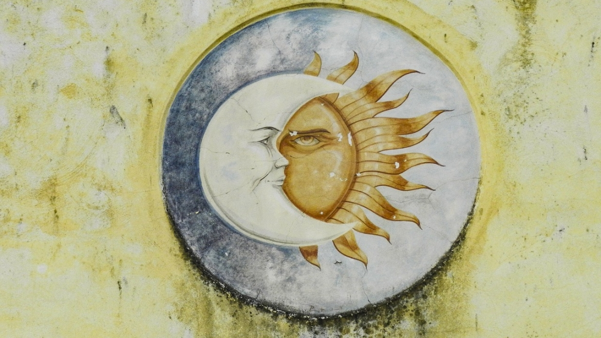 Sun And Moon Conjunction In 2nd House: Impact On Love, Career & More